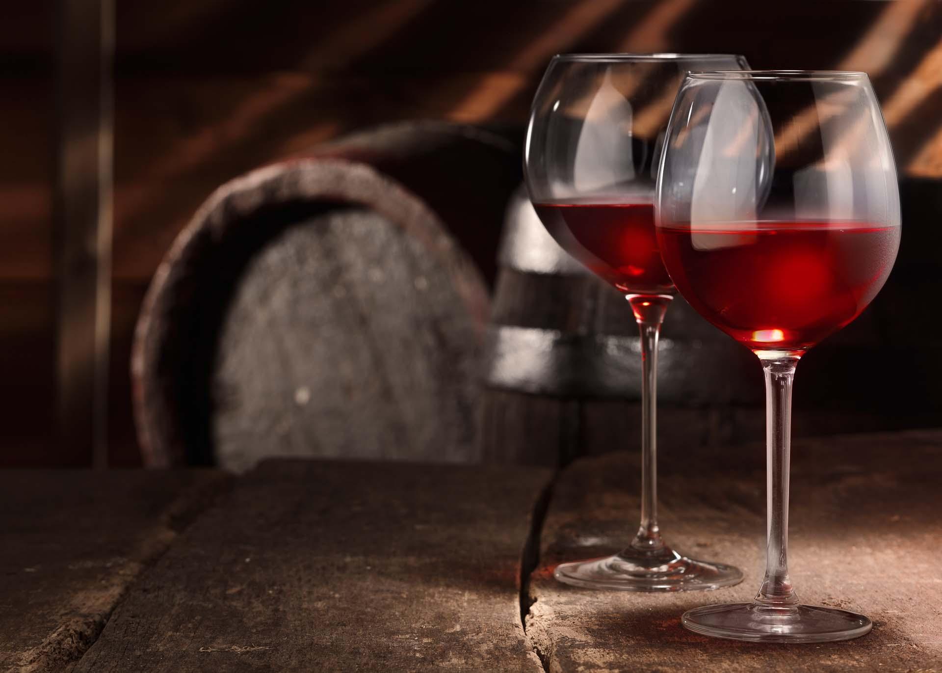 Wine glaesses and barrel